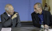 The Eurozone finance ministers, including Schäuble and his Greek counterpart Varoufakis, plan to resume their talks on Friday. (© picture-alliance/dpa)