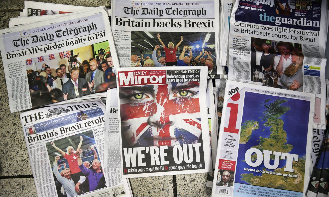 The front pages of British newspapers the day after the Brexit referendum. (© picture-alliance/dpa)