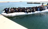 Migrants rescued by the Libyan coastguard in May 2017. (© picture-alliance/dpa)