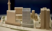 A model of the planned EMA building complex in Amsterdam. (© picture-alliance/dpa)