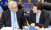 EU Commission chief Juncker and Martin Selmayr. (© picture-alliance/dpa)