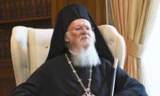 Patriarch Bartholomew I of Constantinople must decide whether Ukraine gets an autocephalous Church. (© picture-alliance/dpa)