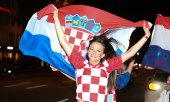 Excitement in the air after Croatia's win over Russia in the quarter-finals. (© picture-alliance/dpa)
