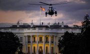 After three days in hospital Donald Trump was brought back to the White House by helicopter. (© picture-alliance/dpa)
