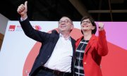 The new Walter-Borjans/Esken leader duo won 53 percent of the vote. (© picture-alliance/dpa)