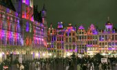The Grand Place in Brussels lit up in the colours of the Union Jack on the evening of January 30th. (© picture-alliance/dpa)
