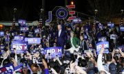 Joe Biden at a Super Tuesday rally in California. (© picture-alliance/dpa)