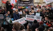 Demonstration against LGBT rights in Warsaw in 2019. (© picture-alliance/dpa)