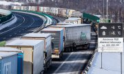 Lorries waiting at the Czech-German border near Petrovice. (© picture-alliance/Hajek Vojtech)