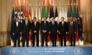 The political leaders at the meeting of the Med 7. (© picture-alliance/dpa)