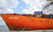 The rescue ship Aquarius in late May. (© picture-alliance/dpa)