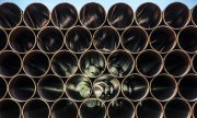 Pipes for Nord Stream 2 on the German Baltic island of Rügen. (© picture-alliance/dpa)