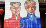 Trump and Kom on a painting outside the Mariott Hotel in Hanoi. (© picture-alliance/dpa)