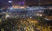 Mass protest against corruption in Bucharest in January 2017. (© picture-alliance/dpa)