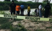 The site where the two bodies were found on the Mexican side of the Rio Grande. (© picture-alliance/dpa)