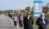 A demonstration in Saed, Denmark for the opening of the border with Germany, mid-May 2020. (© picture-alliance/dpa)