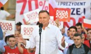 President Duda on the campaign trail. (© picture-alliance/dpa)
