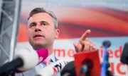 FPÖ presidential candidate Norbert Hofer at a press conference. (© picture-alliance/dpa)