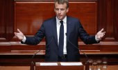Macron delivering his state of the nation address to both houses of parliament in Versailles. (© picture-alliance/dpa)