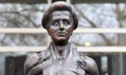Rosa Luxemburg statue in Berlin. (© picture-alliance/dpa)