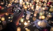 Candles outside the Al Noor Mosque in Christchurch. (© picture-alliance/dpa)