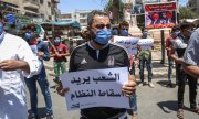 Protests against Russia's and China's vetos in the northern Syrian city of Idlib. (© picture-alliance/dpa)