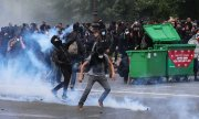 Clashes on the fringes of a big demonstration on Tuesday in Paris. (© picture-alliance/dpa)
