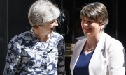 Prime Minister Theresa May and DUP leader Arlene Foster. (© picture-alliance/dpa)