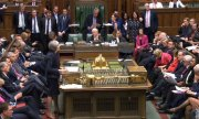 Prime Minister May addressing the House of Commons. (© picture-alliance/dpa)