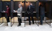 Polling booths in Vilnius. Voters have been able to cast their votes in the referendum since 6 May. (© picture-alliance/dpa)