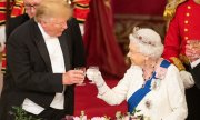 Donald Trump and the Queen during his visit to London.(© picture-alliance/dpa)