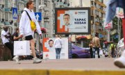 Canvassing on the streets of Kiev. (© picture-alliance/dpa)
