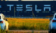"Tesla's ""gigafactory"" in Shanghai. (© picture-alliance/dpa)"
