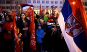 Supporters of Milorad Dodik, President of the Republika Srpska, gathered on Sunday evening in the streets of Pale. (© picture-alliance/dpa)