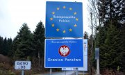 Signs on the Polish-Slovakian border. (© picture-alliance/dpa)