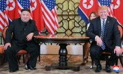 Kim and Trump at the start of their meeting. (© picture-alliance/dpa)