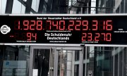 "The ""debt clock"" in Berlin. (© picture-alliance/dpa)"