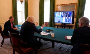 Prime Minister Johnson talking to EU leaders on June 15. (© picture-alliance/dpa)