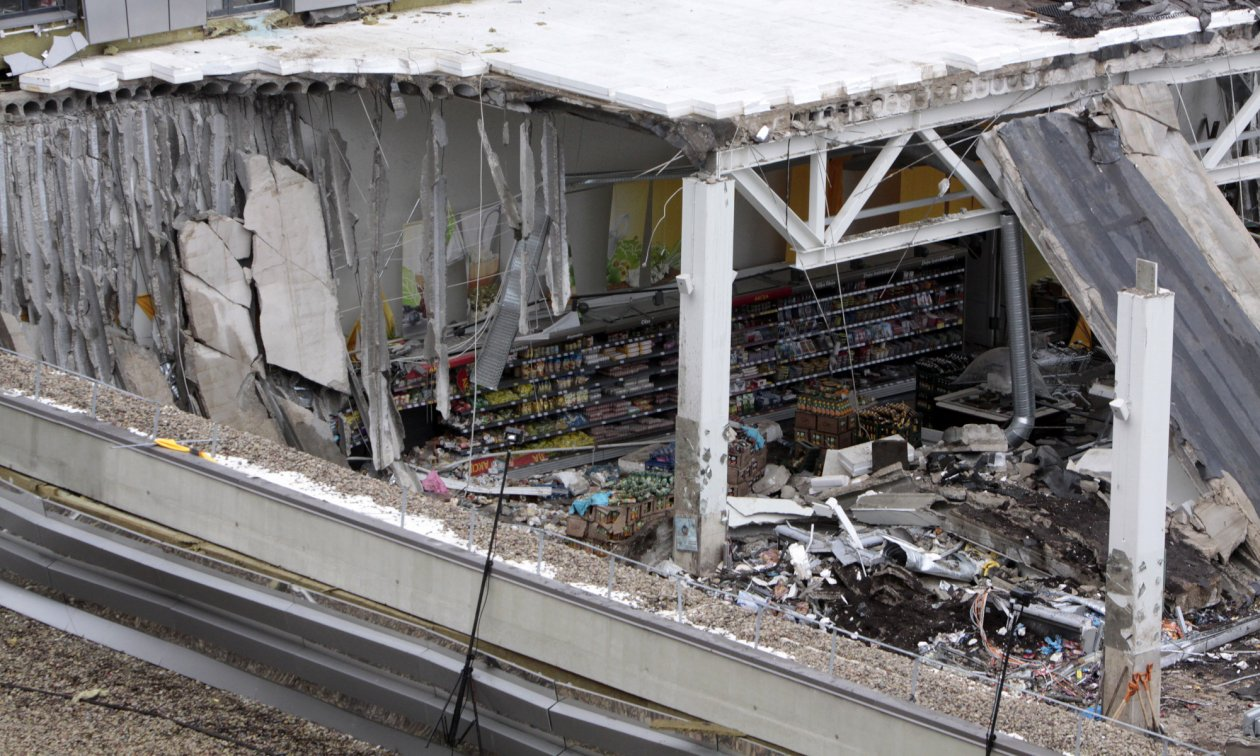 Latvian journalists exposed disinformation campaigns surrounding the collapse of a supermarket roof which claimed more than 50 lives in 2013.
