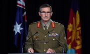 General Angus Campbell reporting on the atrocities committed by Australian soldiers. (© picture-alliance/dpa/Mick Tsikas)