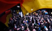 According to the police, attackers had been called on to join the Pegida march and murder one of its organisers. (© picture-alliance/dpa)