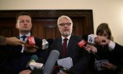 Polish Foreign Minister Witold Waszczykowski (centre) and Interior Minister Mariusz Blaszczak (left) (© picture-alliance/dpa)