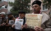 Protest in Ankara against Cumhuriyet staff arrests. (© picture-alliance/dpa)