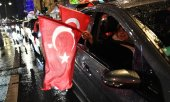Turks celebrating in Berlin (© picture-alliance/dpa)