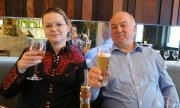 Sergei Skripal with his daughter Julia. (© picture-alliance/dpa)