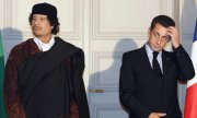 Muammar al-Gaddafi and Nicolas Sarkozy in the Elysée Palace in December 2007. (© picture-alliance/dpa)