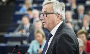 """We should never forget that the fundamental right of asylum is one of the most important international and European values,"" Juncker said. (© picture-alliance/dpa)"