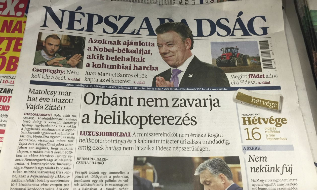 The front page of the discontinued daily Népszabadság. (© picture-alliance/dpa)