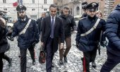 Luigi Di Maio, leader of the Movimento 5 Stelle in front of the Italian Senate. (© picture-alliance/dpa)