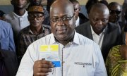 Opposition candidate Félix Tshisekedi casting his vote in Kinshasa. (© picture-alliance/dpa)